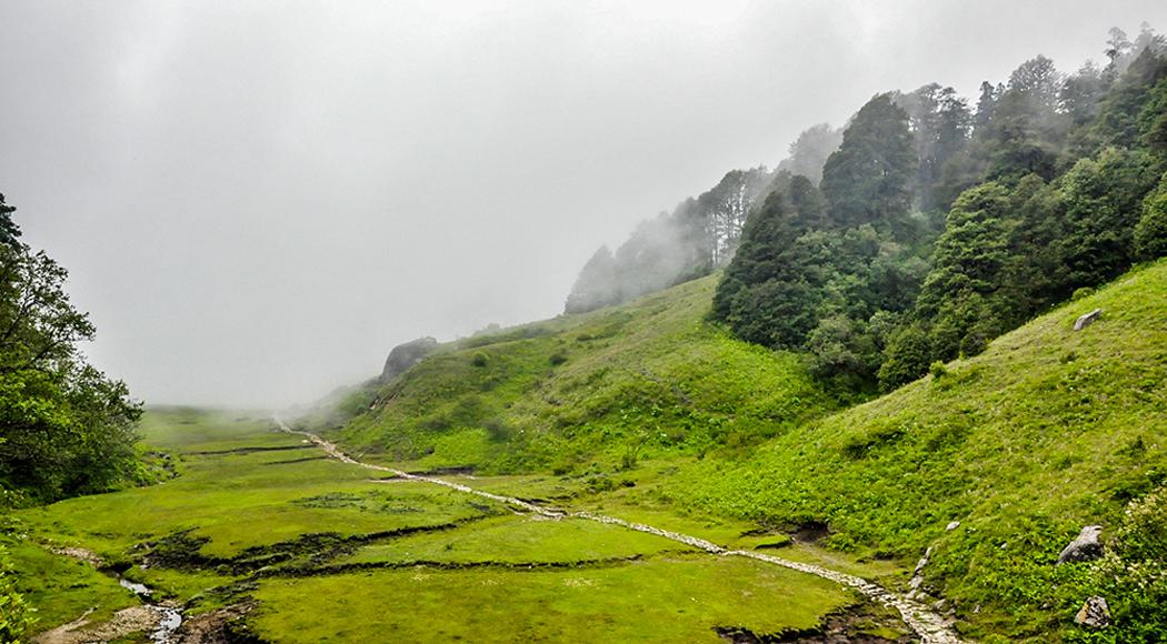 रोशीको १२ वडाको घ्याङडाँडामा पर्यटकीय सम्भावना प्रचुर छ