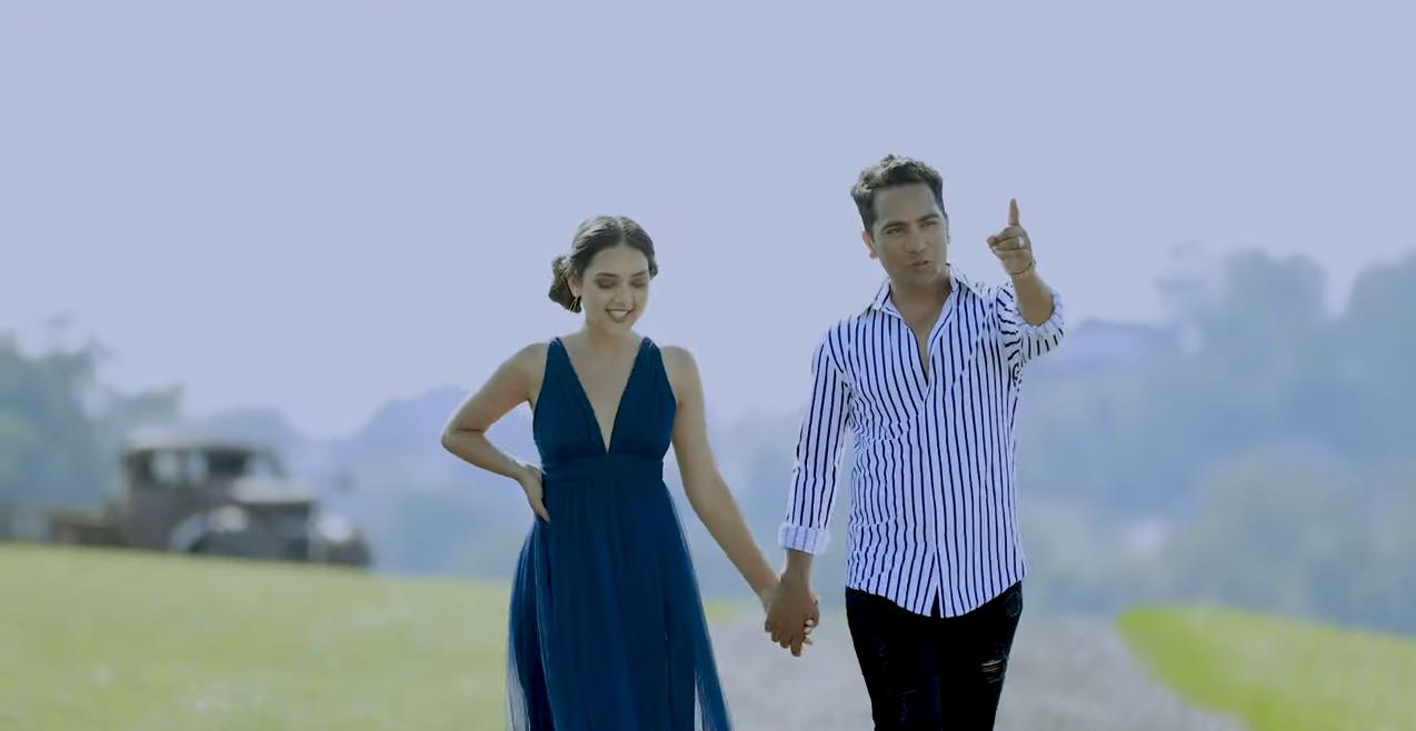 'एकादेशको कथा'मा रोमाण्टिक मुडमा देखिए पूर्ण र लक्ष्मी